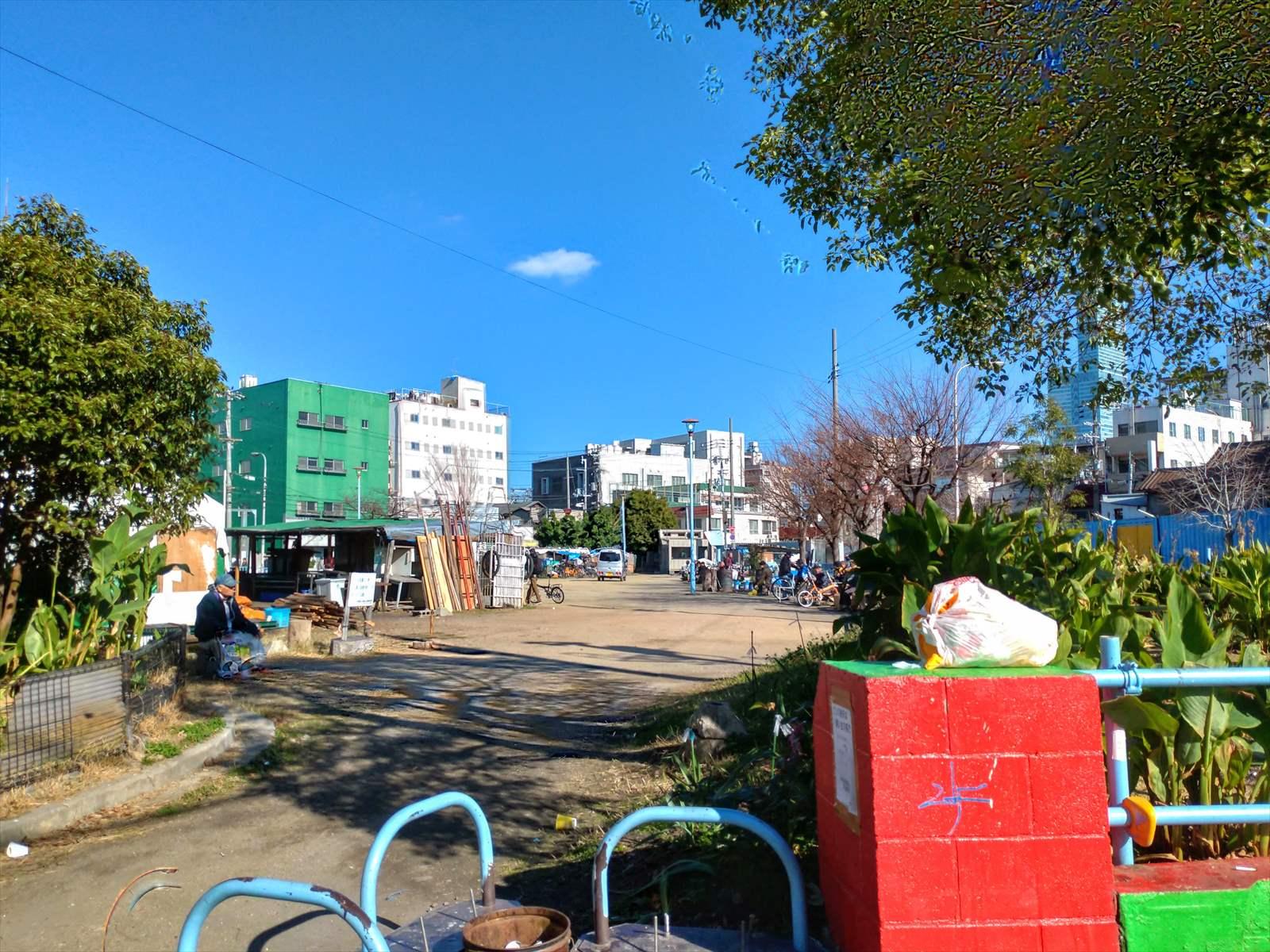 あいりん地区 三角公園